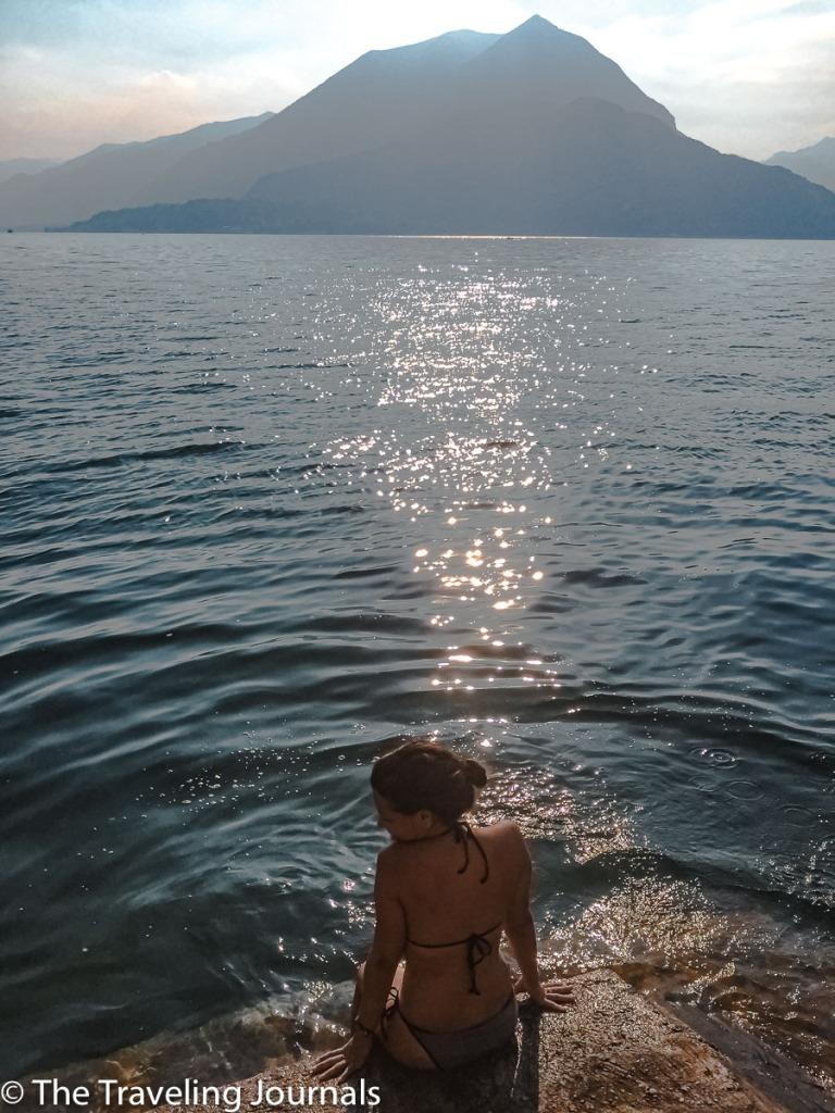 An afternoon dip in Lake Como Un chapuzón por la tarde en el lago de Como