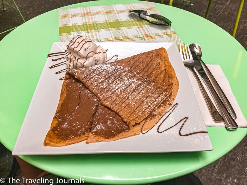 Crepe-chocolate-icecream-dessert-postre