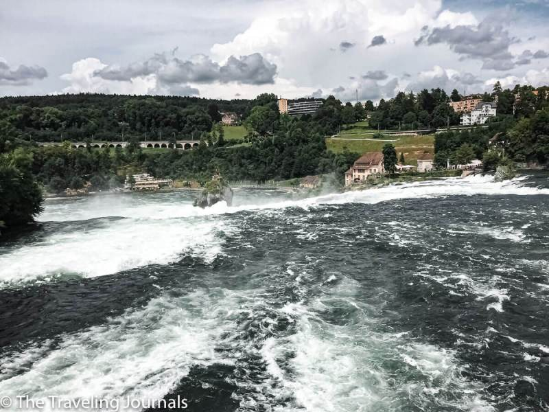 Rhine Falls, rain bridge at Rhine Falls, vista de las cataratas del Rin desde el puente, summer in Rhine Falls, verano en Suiza, Summer Switzerland, european waterfalls, cascadas en Europa, European waterfalls